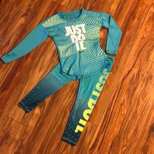 Girls Nike dry fit running outfit